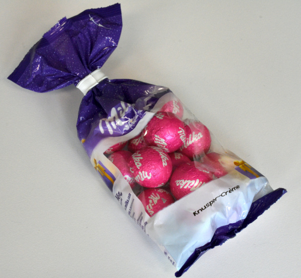 Milka Christmas Balls Crunchy Cream